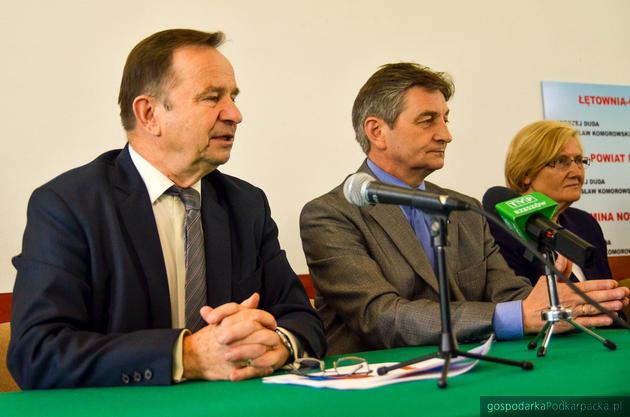 Od lewej: Władysław Ortyl, Marek Kuchciński i Józefa Hrynkiewicz. Fot. archiwum PiS