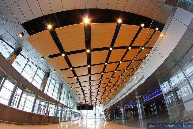 Terminal w jasionce, hall głowny, fot. Skanska S. A.