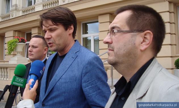 Od lewej Damian Małek (\