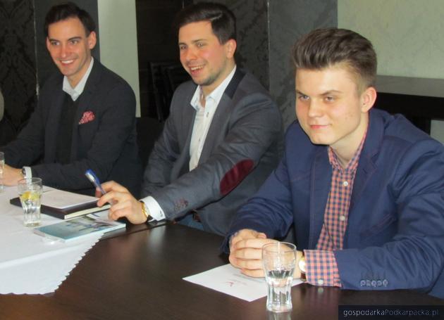 Od lewej Piotr Nowak, Dawid Cecudai Karol Jędruszek. Fot. Adam Cyło