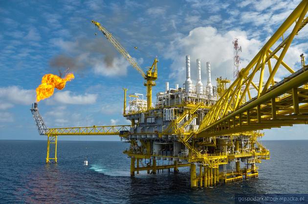 Ceny ropy na światowych rynkach – czy utrzyma się trend spadkowy?