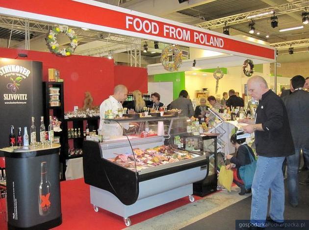 Stoisko Ambasady RP na targach FoodExpo 2012, na których prezentowane były produkty przedsiębiorców z Polski Wschodniej, fot. PAIiZ