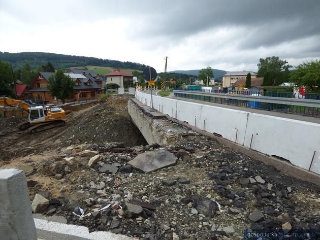 Trwa przebudowa mostu w Hoczwi. Są utrudnienia
