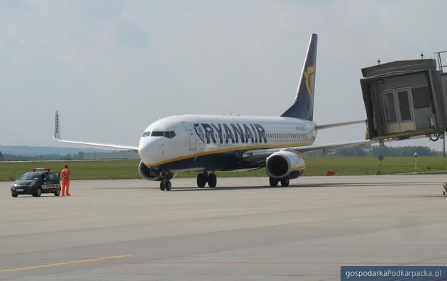 Samolot Ryanaira na lotnisku Rzeszów-Jasionka