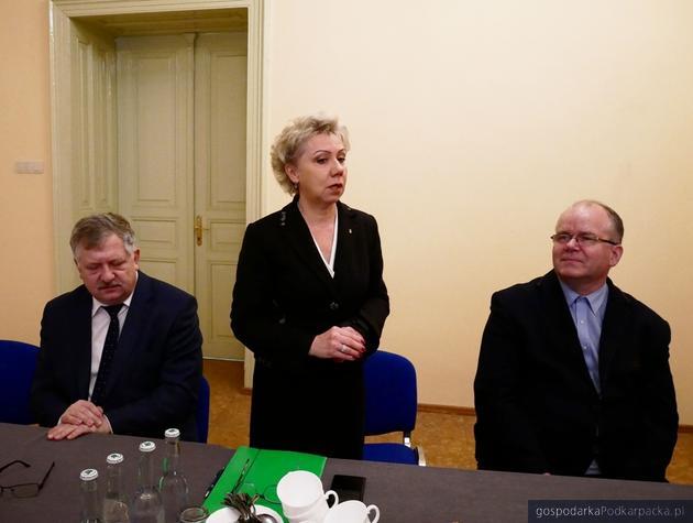 Od lewej Kazimierz Gołojuch, Halina Szydełko i Adam Kawałek. Fot. ks. Tomasz Nowak