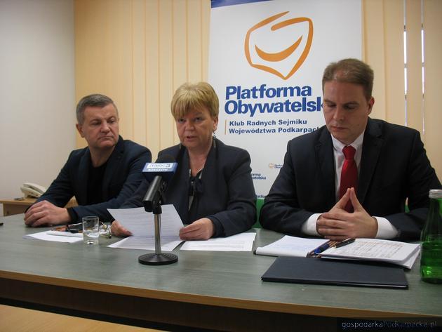 Od lewej Krzysztof Kłak, Teresa Kubas-Hul i Sławomir Miklicz. Fot. Adam Cyło