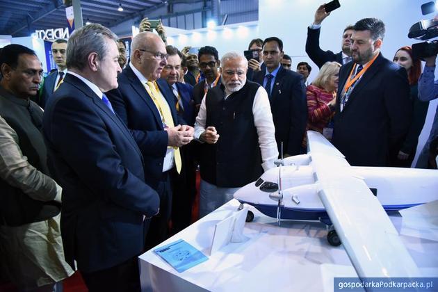 W środku premier Indii Narendra Modi. Fot. Gujarat State Portal