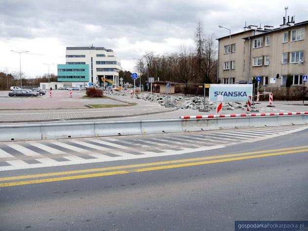 Budowa ronda na Ofiar Katynia i Kwiatkowskiego w Stalowej Woli