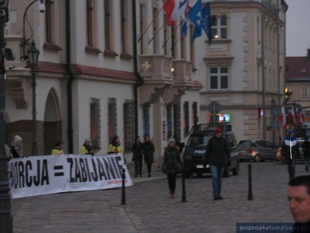 """Akcja """"Strajk kobiet"""" w Rzeszowie"""