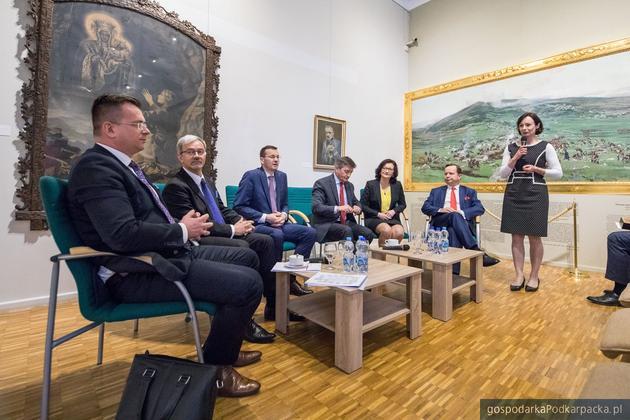 2,5 miliarda złotych dla średnich miast - Morawiecki na Podkarpaciu