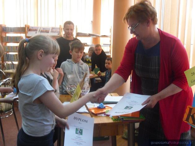 Konkurs czytelniczy Zabawy z Karolcią w bibliotece