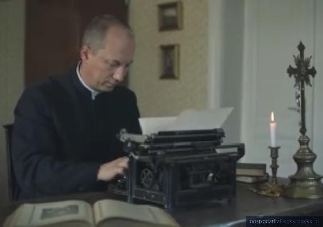 """Kadr z filmu """"Brat Bronisław z Dębowca"""""""
