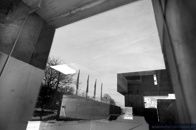 Odbicie  Kunsthalle w Bielefeldzie. Fot Veit Mette