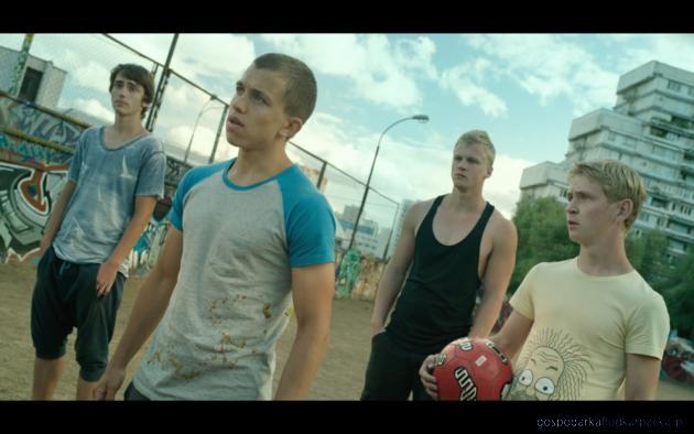 Kadr z filmu Boisko