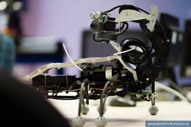 Badania naukowców WSIiZ nad sztuczną inteligencją