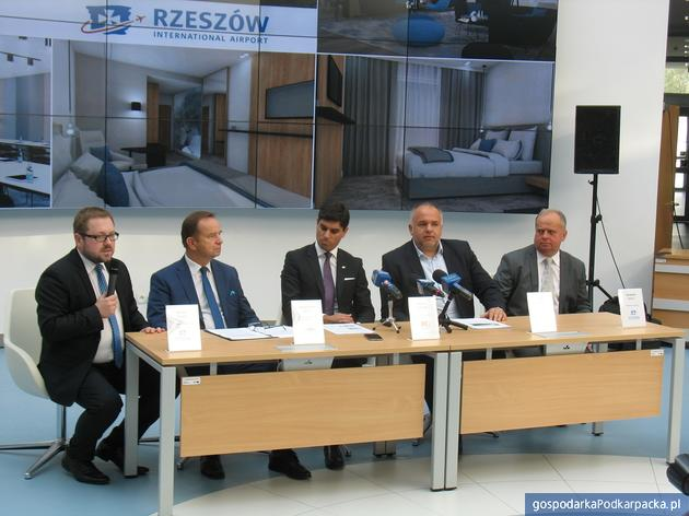 Od lewej Michał Tabisz, Władysław Ortyl, Migeul, Martins, Adam Pilczuk, Zbigniew Halat