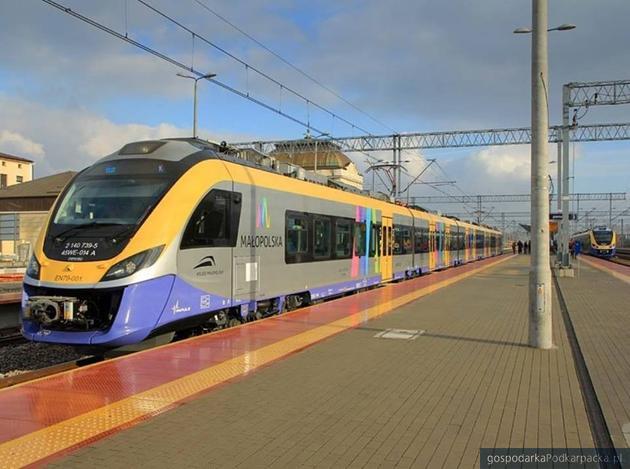 Weekendowy pociąg na trasie Jasło-Kraków