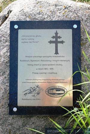 Odnawiają choleryczne cmentarze w powiecie jarosławskim