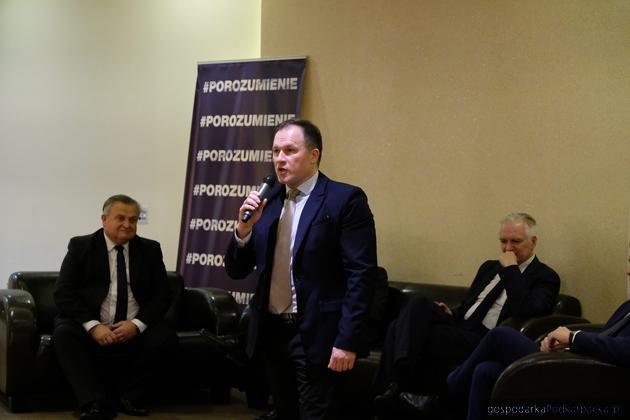 """Partia """"Porozumienie"""" ma tymczasowe zarządy okręgowe"""