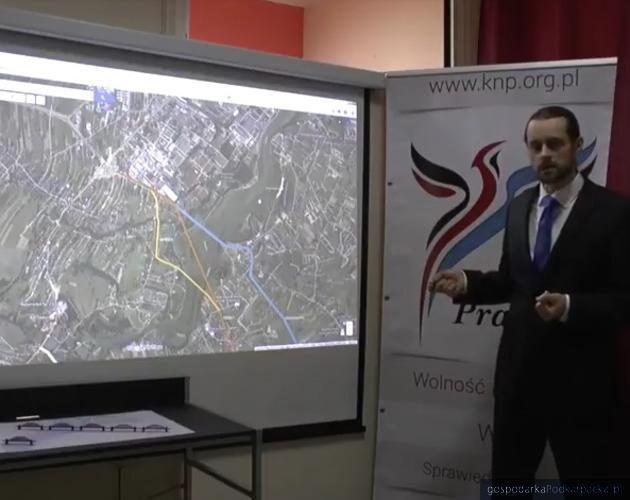 Łukasz Belter prezentuje koncepcję przebiegu obwodnicy Rzeszowa