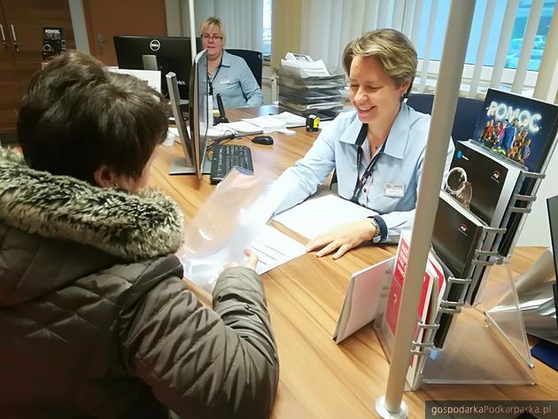 Ułatwienia dla osób starszych w Biurach Obsługi Klienta PGE