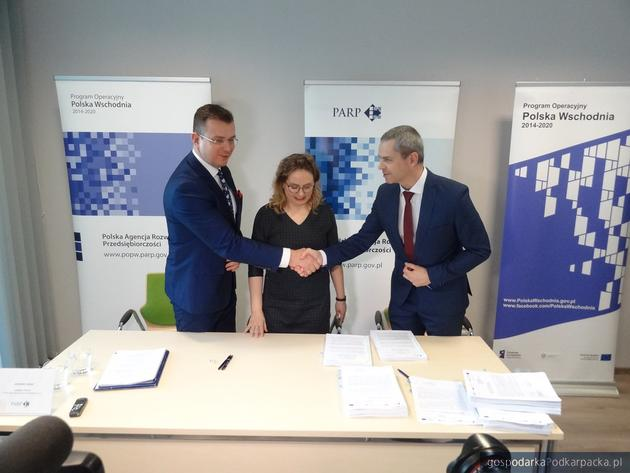 Dotacje dla czterech innowacyjnych firm z Podkarpacia