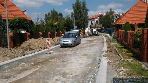 Nowa droga na osiedlu Niwa w Głogów Małopolskim