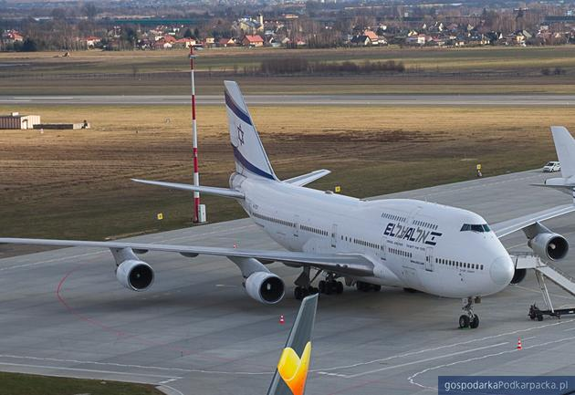 Samolot izraelskich linii lotniczych El Al na lotnisku Rzeszów-Jasionka