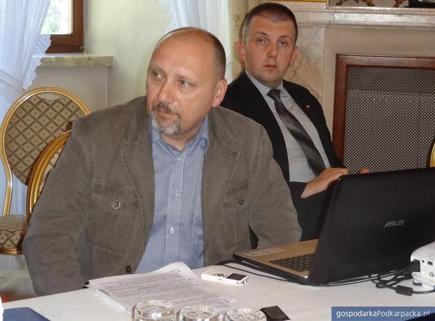 Od lewej: Walerij Riabych (Riabykh) z Defence Express i defence-ua.com oraz Dariusz Materniak z Centrum Badań Polska-Ukraina podczas Polsko-Ukraińskiego Forum Strategiczne 2018 w Dubiecku. Fot. Adam Cyło