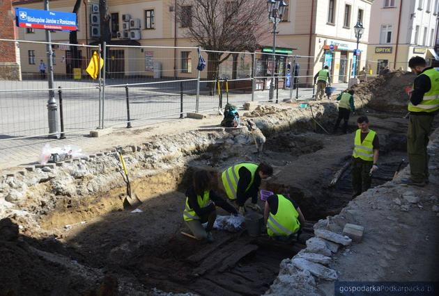 Archeologiczne znaleziska na ulicy Kościuszki w Rzeszowie