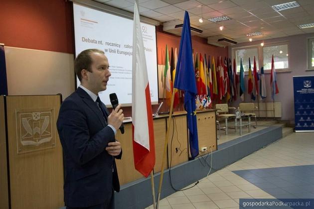 Polska czternaście lat w Unii Europejskiej. Czy zyskaliśmy? Opinia Dominika Łazarza