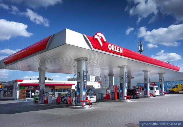 Ceny paliw w Polsce – wysokie, chociaż niskie