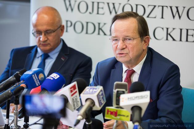 Od lewej: Andrzej Kulig, dyrektor Departamentu Ochrony Środowiska Urzędu Marszałkowskiego oraz marszałek Władysław Ortyl