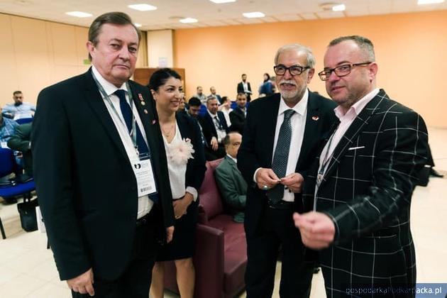 Od lewej Zbigniew Potocki, tłumaczka, ambasador Assad Abo Gulal oraz Piotr Grabek, doradca gospodarczy. Fot. Irakpol