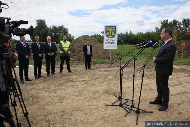 Rozpoczęła się budowa mostu na Wisłoku w Czarnej k. Łańcuta