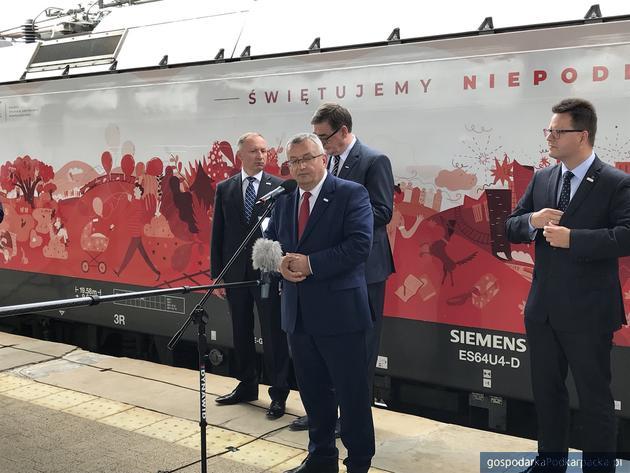 Biało-czerwone pociągi PKP Intercity już na torach