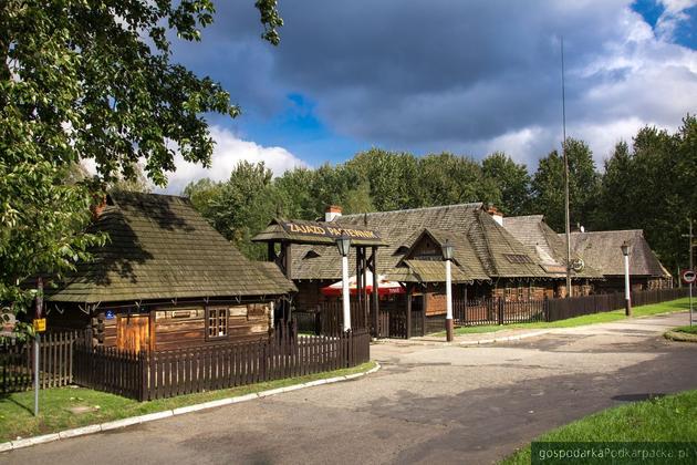 Zajazd Pastewnik w Przeworsku. Wiekowe wnętrze z dobrym smakiem