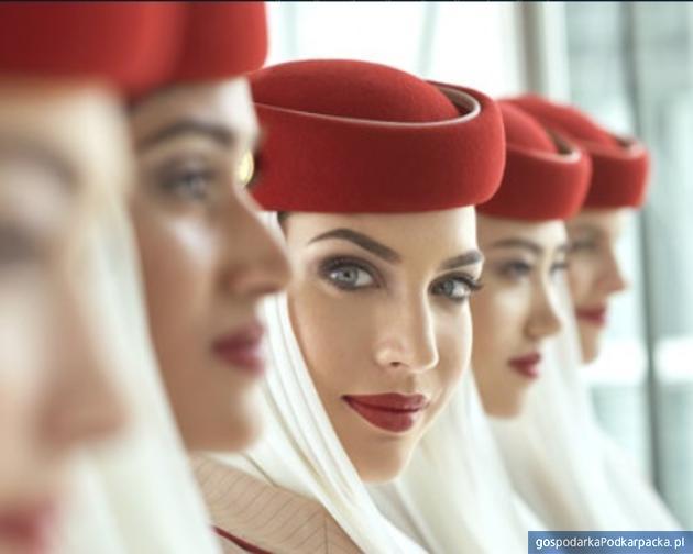 Linie lotnicze Emirates szukają nowych członków załogi w Polsce