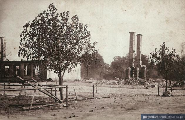 Sokołów po pożarze - zdjęcie wykonane prawdopodobnie 26 lipca 1904 r.