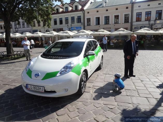 Elektryczna taksówka już jeździ po Rzeszowie