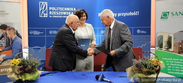 Umowa Politechniki Rzeszowskiej z Nadsańskim Bankiem Spółdzielczym w Stalowej Woli