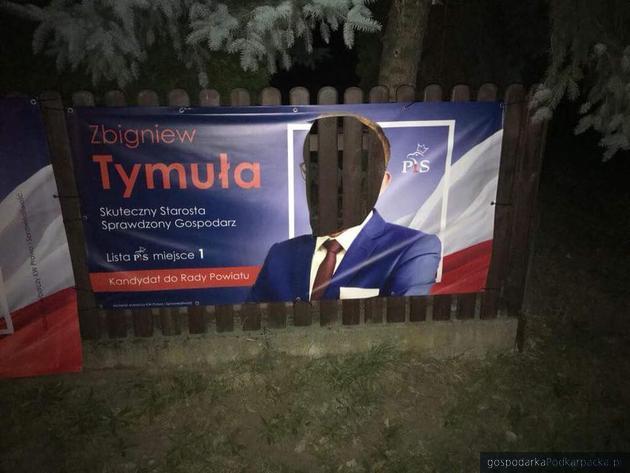 Niszczenie plakatów i banerów wyborczych