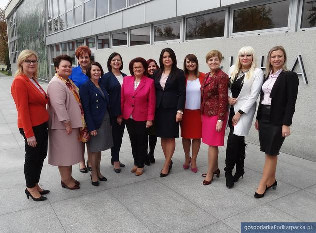Prawo i Sprawiedliwość atakuje samorządy kobietami
