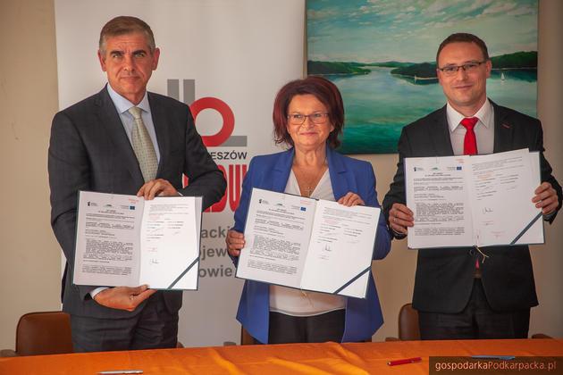 Umowa na modernizację drogi z Hoczwi do Polańczyka podpisana