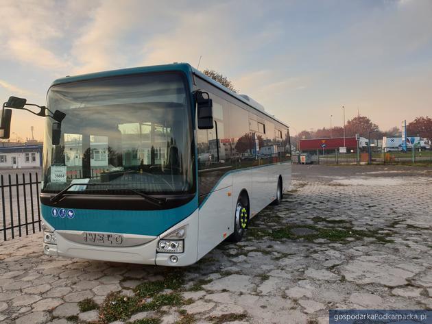 Nowy autobus dla MKS dotarł już do Rzeszowa