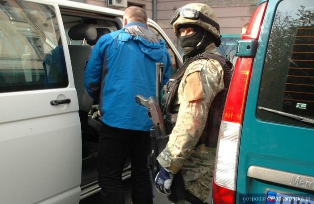 Straż  Graniczna rozbiła grupę przestępczą fałszerzy-przemytników ludzi