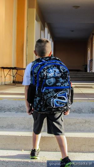 Ile dźwigają na plecach nasze dzieci? Akcja ważenia tornistrów zakończona