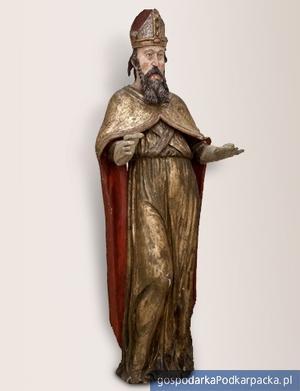 Święty Wojciech, rzeźba w drewnie lipowym z dawnego kościoła w Trzcianie (powiat rzeszowski). Fot. wmp.podkarpackie.pl