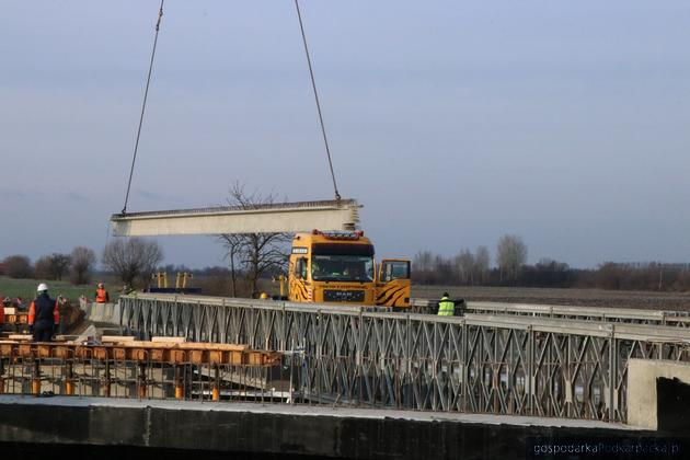 Budowa mostu w Michałówce (rzeka Wisznia)