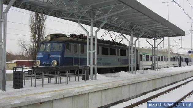 Nowy peron na stacji Stalowa Wola Rozwadów już gotowy